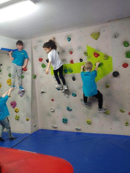 climbing_09-e1559489251819